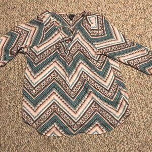 Beautiful 3/4 length sleeve top in EUC size large
